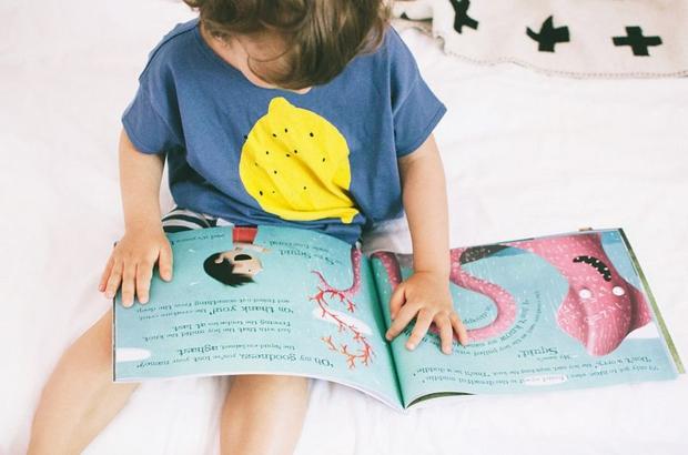 boy-reading(c)LostMyName